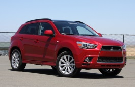 Mitsubishi Outlander Sport I Closed Off-Road Vehicle