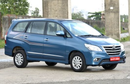 Toyota Innova I Facelift MPV