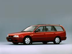 Nissan Avenir I (W10) Kombi