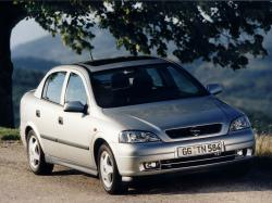 Opel Astra G Седан