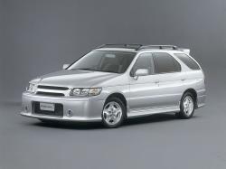 Nissan R'nessa MPV
