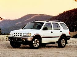 Isuzu Rodeo II Closed Off-Road Vehicle