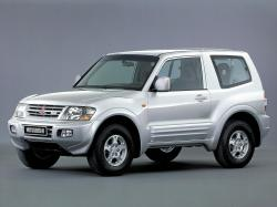 Mitsubishi Pajero III Closed Off-Road Vehicle