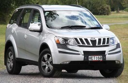 Mahindra XUV 500 I Closed Off-Road Vehicle