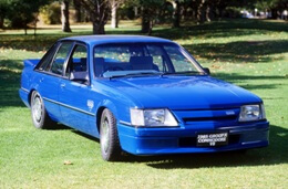 Holden Commodore I (VK) Saloon