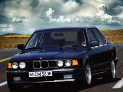 BMW 7 Series II (E32) Berline