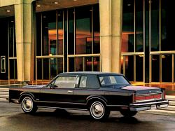 Lincoln Town Car I Coupe