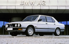 Автомобиль BMW 5 Series II (E28) , год выпуска 1981 - 1988