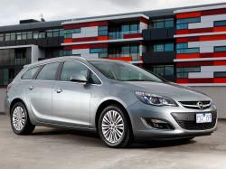 Opel Astra J Restyling Sports Tourer