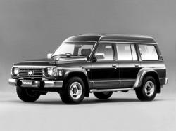 日産 サファリ I (Y60) Closed Off-Road Vehicle
