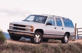 Chevrolet C1500 Suburban Closed Off-Road Vehicle