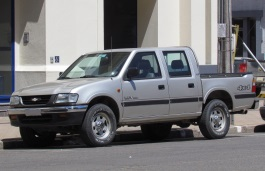 Chevrolet LUV Pickup Crew Cab