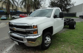 Chevrolet Silverado 3500 wheels and tires specs icon