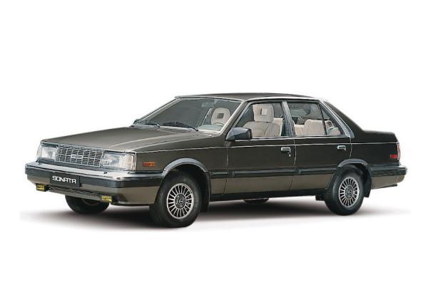 Hyundai Sonata Y1 Saloon