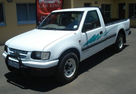 Isuzu KB - Specs of wheel sizes, tires, PCD, Offset and Rims