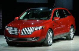 Lincoln MKT I Closed Off-Road Vehicle