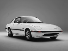 Mazda RX-7 wheels and tires specs icon