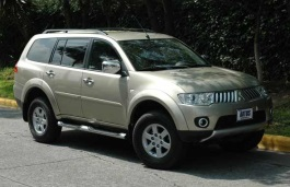 Mitsubishi Montero Sport II Closed Off-Road Vehicle