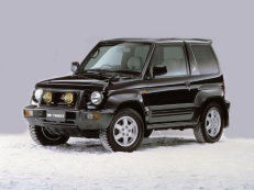 Mitsubishi Pajero Jr picture (1995 year model)
