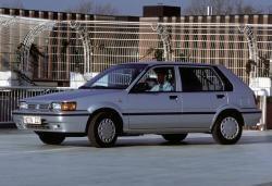 Nissan Sunny N13 Hatchback