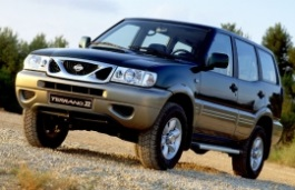 Nissan Terrano 2 (R20) Closed Off-Road Vehicle