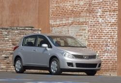 Nissan Versa wheels and tires specs icon