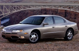 Oldsmobile Aurora picture (2001 year model)