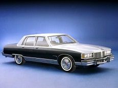 Pontiac Bonneville B-body Saloon