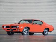 icono de especificaciones de Pontiac GTO  ruedas y neumáticos