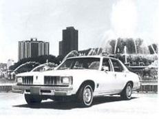 Pontiac Phoenix X-body I Berline