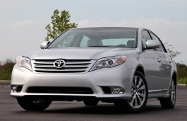 Toyota Avalon III Facelift Saloon