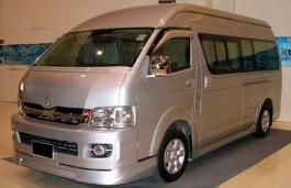 丰田 Commuter H200 Van