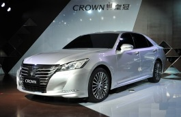 Toyota Crown wheels and tires specs icon