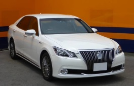 Toyota Crown Majesta VI (S210) Saloon