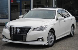 Toyota Crown Royal IV (S210) Facelift Saloon