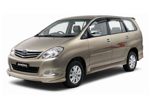 Toyota Innova AN40 Facelift MPV