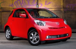 Toyota iQ wheels and tires specs icon
