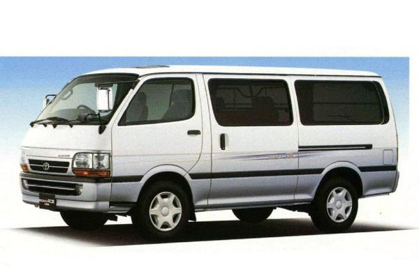 Toyota Regius Ace H100 Van