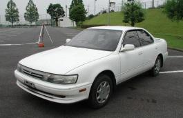 Toyota Vista III (V30) Saloon