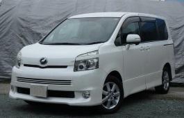 Toyota Voxy II MPV