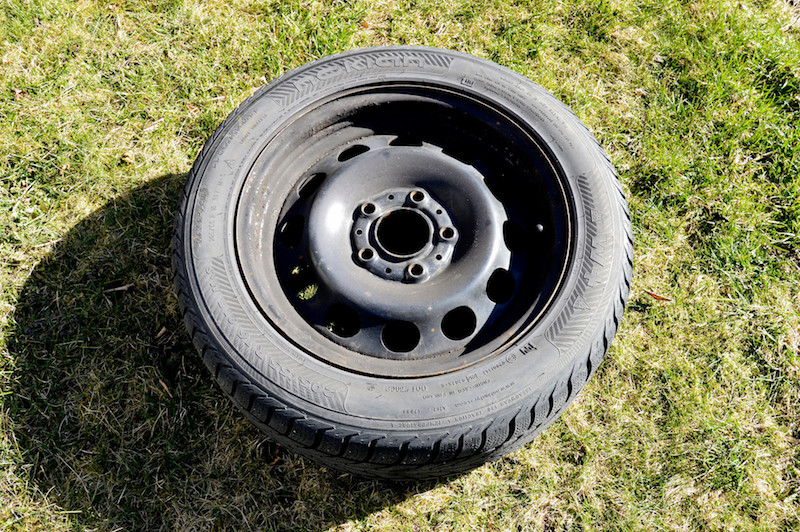 Steel rim with winter tire - Wheel covers CAN be mounted to these!
